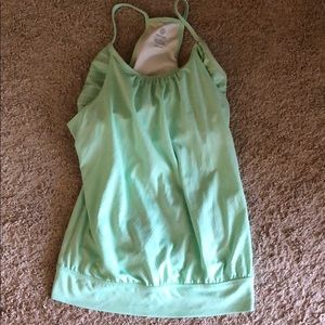 Old navy active top with built in bra